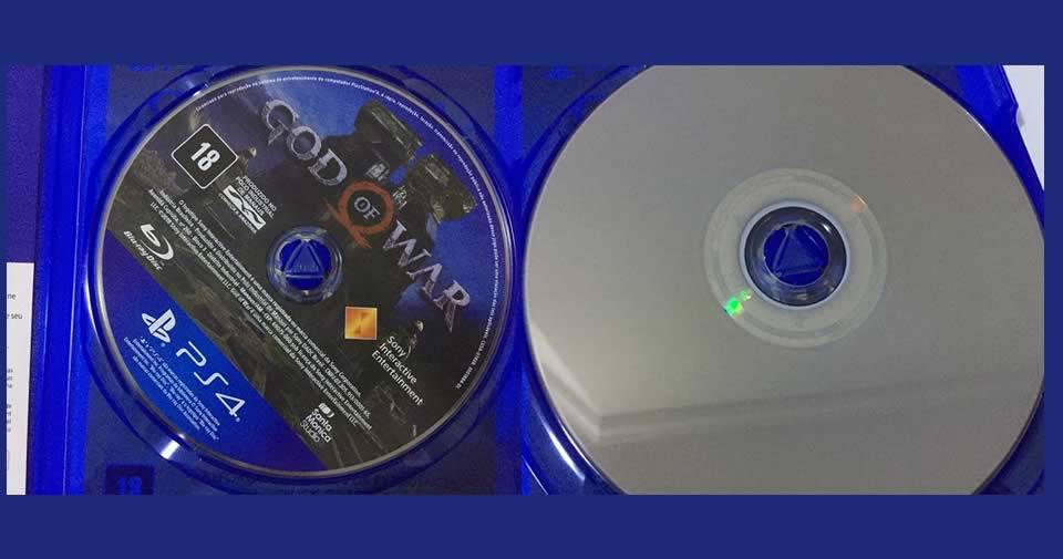 Disco original do GOD OF WAR PS4 frente e verso